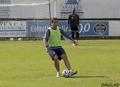 Jose Angel golpeando con la zurda (Dawlad Ast) Tags: espaa angel club training de spain cd soccer jose asturias luanco estadio futbol miramar marino deportivo entrenamiento