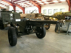 US 75mm M1897 on M2A3 carriage (2)