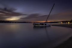 broken (dK.i photography) Tags: sunset bluehour longexposure aground shipwreck sailboat capsized jonaspark annapolis maryland severnriver beach twilight