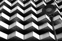 Spigoli (mariateresa toledo) Tags: autosilo lampione carpark streetlamp geometrie architetture lugano cantonticino svizzera sonynex7 distagontfe1435 carlzeiss mariateresatoledo dsc05591