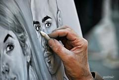 Il mio occhio s'è fatto pittore (patmic (I'm here)) Tags: occhio eye pittore painter mano hand sguardo look arte art picture ritratto explore nikon