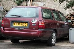 L635 ULC (Nivek.Old.Gold) Tags: 1993 ford mondeo 18 16v lx auto estate godfreydavis london