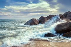 Lamai Beach Koh Samui (Jutta M. Jenning) Tags: insel kohsamui lamai thailand felsen asien meer relaxen stein steine urlaub ferien tourismus reisen traumurlaub reisebericht beach felsformation natur nature brandung wellen gischt wasser