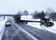 KW Flatbed jack-knifed OH -3-1983sm FLIC (jackdk) Tags: truck tractor tractortrailer semi semitruck kw kenworth flatbed bigtruck snow ice i70 interstate70 snowstorm accident wreck jackknife