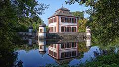 Klein-Welzheim Wasserschloss (wernerfunk) Tags: hessen schloss architektur spiegelung castle