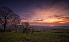 End of day (Captain Nikon) Tags: theroaches roaches rockyoutcrop viewpoint staffordshire peakdistrict ruins barn sunset sundown moody delapidated escarpment lowlands moorlands unitedkingdom england greatbritain rural leek naturalframe oldbuildings slate silhouettes iconiclocations rollingcountryside countryside peaceful serene peaks landscapes gritstone leadinglines classicview explored explore