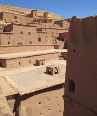 Ksar of Aït Benhaddou (Aït Ben Haddou, Morocco) (courthouselover) Tags: morocco maroc almaghrib soussmassadrâa soussmassadrâaregion régiondusoussmassadrâa aïtbenhaddou unesco unescoworldheritagesites المغرب africa northafrica ksarofaitbenhaddou