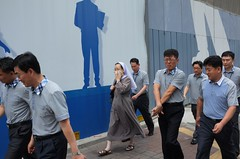 Nun (AntEater Theater) Tags: blue color grey streetphotography nuns seoul uniforms matching southkorea stinky coincidences stinks