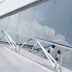 Summer is reflected in the glass (usotuki) Tags: summer clouds lovers yokohama     portofyokohama osanbashiyokohamainternationalpassengerterminal   pentaxk7  callzeissplanar50mmf14zk