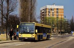 8746 45 (brossel 8260) Tags: bus belgique bruxelles vanhool a300 stib