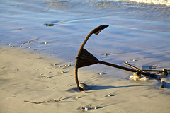 Stranded (3aART) Tags: beach water strand sand wasser anchor myanmar anker 3aart