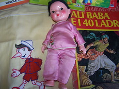 Bambolina cinese vintage (sonya_ippo) Tags: family sunshine vintage doll dolls paolo famiglia lola barbie mini polly lucia pocket felice pinocchio franca mattel brunello bambole bambola effe cicciobello sebino zambelli zanini furga italocremona migliorati