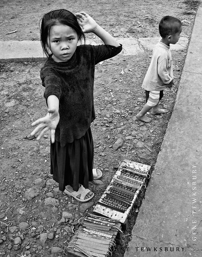 Laos Children Sell Bracelets