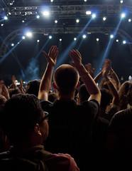 blue orange lines losangeles crowd saturday usc outline buzzcut handsup clap musicfestival thelawn applause spotlights 823 2014 expopark fuckyeahfest august23 slowdive fyffest