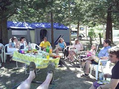 mot-2006-remoulins-pic_0097_jessicas-tea-party-3_800x600