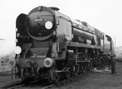 steamengines britishrailways steamlocomotives eddystone 34028 southernregion westcountrypacific bulleidpacifics trainsandrailways ashfordkent ashford150 eailwaylocomotives