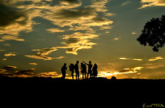 Aisian (Erre Taele) Tags: sky sun silhouette atardecer sunsets bulgaria cielo silueta plovdiv claroscuro bulgary ilunabarra ortzi