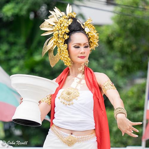 Thailand 2014 - Chiang Mai - Thai Flower Dancers1