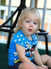 Anna (rjgabor) Tags: people kids children annabelle suprise
