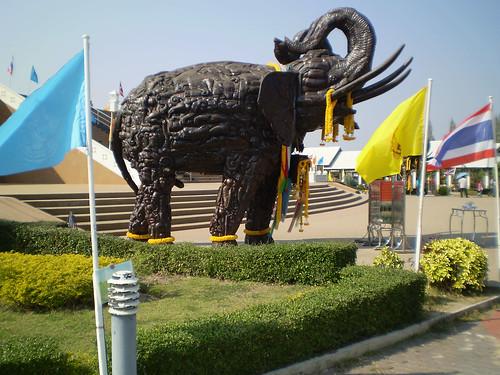 Wat Huay Mongkol Temple Elephant sculpture