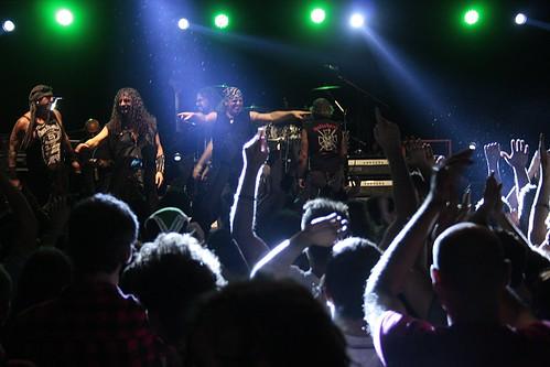 Mango de Oz #folk #metal #rock 🎸 #heavymetal #metal #medieval  #popolare 🎻 #celtica #live #fdbfabrica musica #concerti #music #dalvivo #sottosuolo #fabrica #underground #spagna #tibervalley #madrid   📷 ] ;)::\☮/>> http://www.elettriso