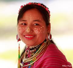 0S1A1391 (Steve Daggar) Tags: thailand chiangmai culture portrait costume longneck karinlongneck hilltribe candid