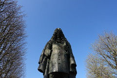 Statue of Jean de La Fontaine @Jardin du Ranelagh @ Paris (*_*) Tags: paris france europe city spring march 2017 saturday sunny bluesky jardinduranelagh park lafontaine fable poet author crow fox corbeau renard statue paris16 75016