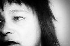 LOST (Sous l'Oeil de Sylvie) Tags: moi me myself autoportrait selfie selfportait egoportrait sousloeildesylvie pentax ks2 50mm silverpro femme women 47ans demiportrait grosplan noiretblanc blackandwhite mars 2017