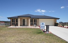 32 Parkes Drive, Tenterfield NSW