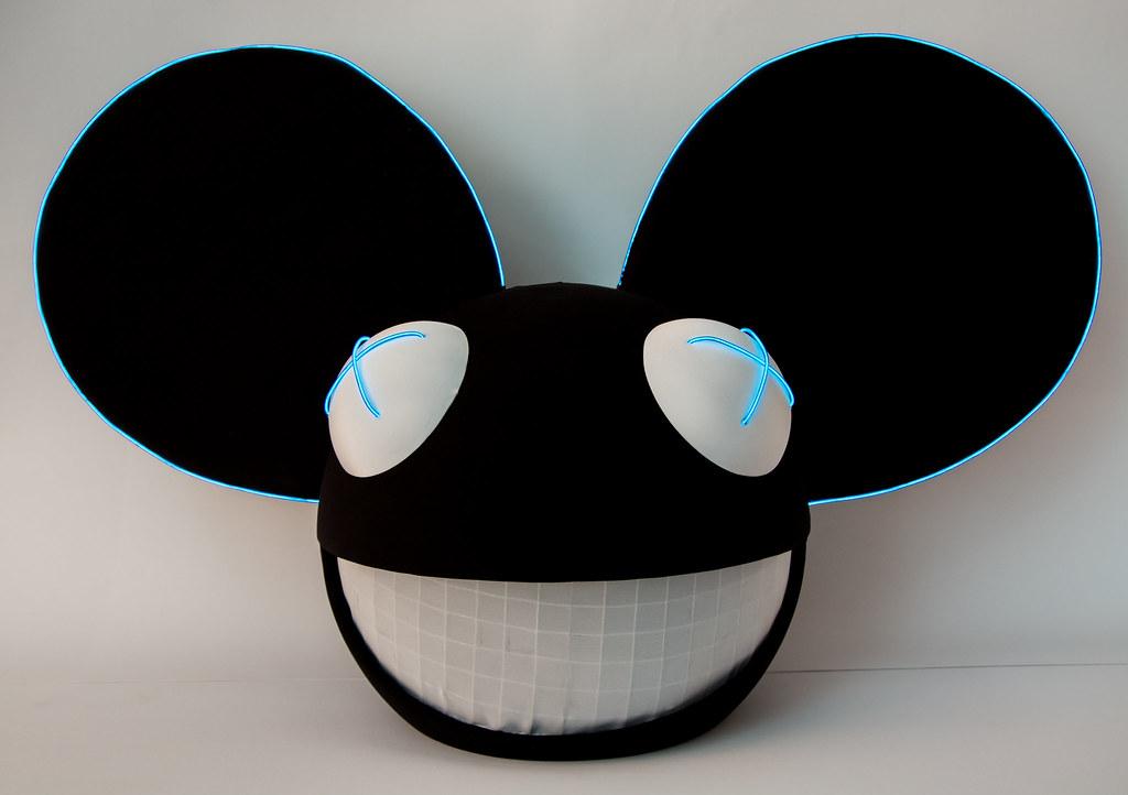 25 assembled helmet glowing in daylight cabbitcastle tags halloween fan diy costume wire
