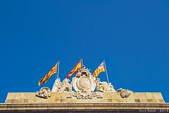 #3 Una bandera o banderas (Jessica AG) Tags: barcelona summer bcn flags bandera banderas summersky