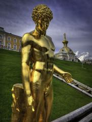 Peterhof Statue (Luc V. de Zeeuw) Tags: fountain russia unescoworldheritagesite unesco saintpetersburg samson hdr peterthegreat petergof peterhofpalace  peterscourt lucvdezeeuw