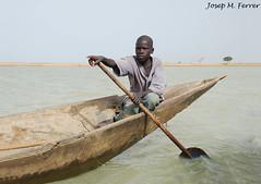 NAVEGAR EN PIRAGUA (Mali, juliol de 2009) (perfectdayjosep) Tags: mali mopti nigerriver perfectdayjosep ronger riunger