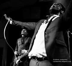 Vintage Trouble_El Sol (roberto almendral) Tags: music sol vintage concert gig el trouble ty soul taylor nalle bolo mad colt