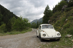 (Nico86*) Tags: road mountains alps vw volkswagen beetle käfer coccinelle