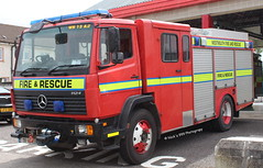 Westmeath Fire & Rescue Service / 98 WH 2311 / Mercedes 1124 / Emergency Tender (Nick 999) Tags: blue rescue fire lights mercedes 98 led leds service emergency et firefighters tender wh 1124 sirens 2311 westmeath castlepollard emergencytender mercedes1124 westmeathfirerescueservice