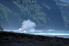Haena-State-Park-Wave_Kauai-HI_03-02-2007a (Count_Strad) Tags: park beach island hawaii surf waves scenic wave kauai haena haenastatepark