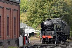 Run Around (78XX Manor) Tags: park britain railway keith battle severn valley sir svr bridgnorth 34053 of