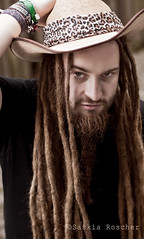 wild (wonderland_lady) Tags: light shadow wild portrait man male guy metal dreadlocks hair beard head pirates bart portrt hut hippie mann marley schatten rasta bobmarley pirat haar lciht