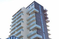 flats (brandsvig) Tags: skne sweden september highrise sverige malm 2014 mobilia lx7 hghus whitte lumixlx7 jaisnielsen peralbinhanssonsvg nyamobilia