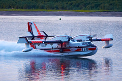 Canadair CL-415 Scooping at Sunset (BHCMBailey) Tags: water river fire boat columbia gorge float bomber tanker turboprop amphibious cl415 canadair firebomber aeroflite