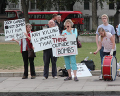 Think outside the bombs (ian_fromblighty) Tags: uk england london is war iraq protest syria isis isil gulfwar3