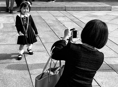 Pose for Mummy (-Faisal Aljunied - !!) Tags: kid pose streetphotography adorable cute japan tokyo iphone7plus faisalaljunied