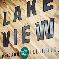 #Repost @nikojmavi ・・・ Our new @wholefoodschi kinda rocks 👍 (southportcorridorchicago) Tags: instagramapp square squareformat iphoneography uploaded:by=instagram southport southportcorridor chicago wrigleyville lakeview