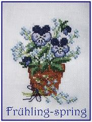Frühlingsanfang-beginning of spring (Anke knipst) Tags: handarbeit kreuzstich stiefmütterchen violets stitch stickbild spring frühling blumen flowers hornveilchen