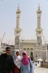 trio trio an (laviosa) Tags: family candid haram mecca umroh 2014 mekkah jabalrahmah masjidil masjidilharam jabaltsur arminareka pullmangrandzamzam