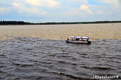 Incontro dei fiumi Rio Negro e Rio Solimoes (Liv ) Tags: rio brasil river amazon negro manaus brasile laivphoto solimenos