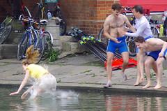Splashdown (MalB) Tags: cambridge shirtless pentax cam rowing robinson lycra k5 rowers mays 2014 maybumps