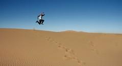 Sahara desert (Ivan Serra) Tags: world china travel viaje nepal italy pose thailand amazing cool jump jumping salt spot awsome adventure jordan morocco salto mon nophotoshop mundo secretspot bot viajar aventura belive traveler eeuu increible turquey saltar thejumpingproject viatje viatjar