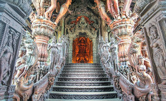 Stairs to Orange-XL (majahual) Tags: thailand trey ratcliff treyratcliff stuckincustomscom